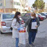 """A început distribuția pachetelor de alimente în cadrul programului ,,Dar din suflet pentru seniori"""""""