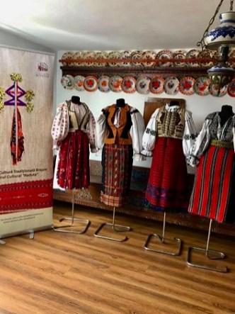 costum popular romanesc (1)