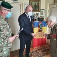 În vizită la colonelul (r) Simion Isac Juravschi, veteran de război