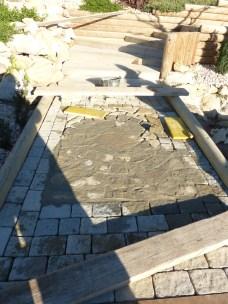 Mise en place du mortier pour la réalisation des joints