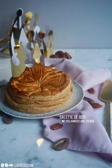Bald ist Heilig-Drei-König, zu diesem Anlass hab ich einen französischen Galette de Rois mit Pecanuss gebacken.