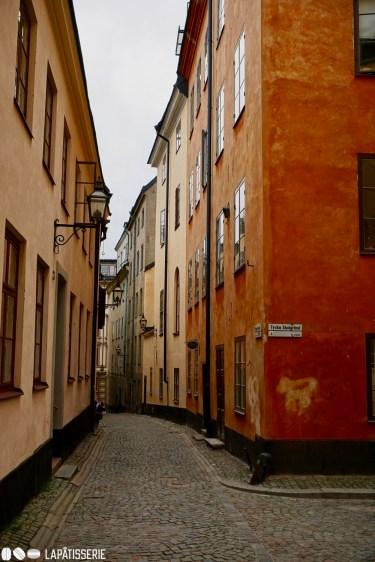 Auf dem Weg durch die verwinkelten Gassen von Gamla Stan, der Altstadt Stockholms.