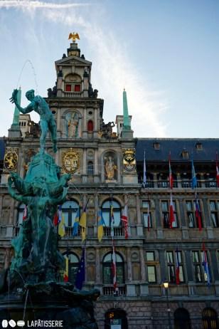 Das Rathaus von Antwerpen ist wunderschön.
