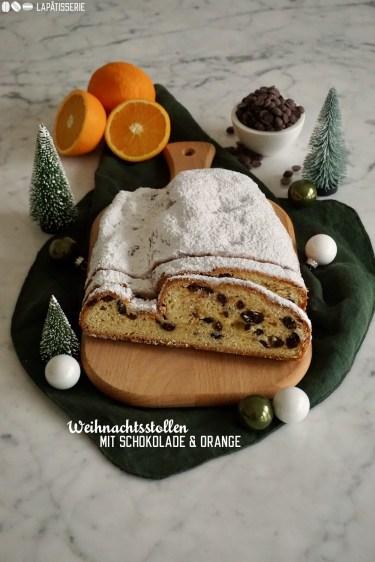 Feinster Stollen mit dunkler Schokolade und viel Orange. Perfekt für die Adventszeit.