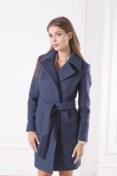 Приталенное шерстяное пальто Жизель крупным планом