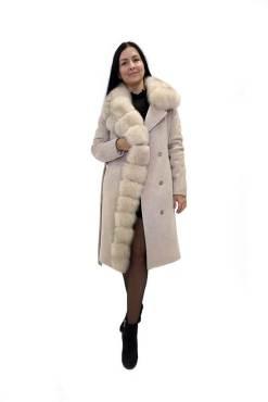 Женское зимнее бежевое пальто с мехом Ланда