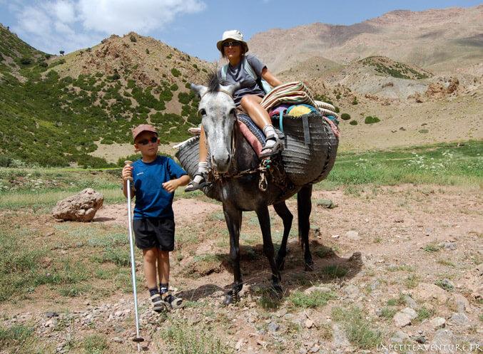 Muletier epndant la randonnée au Maroc
