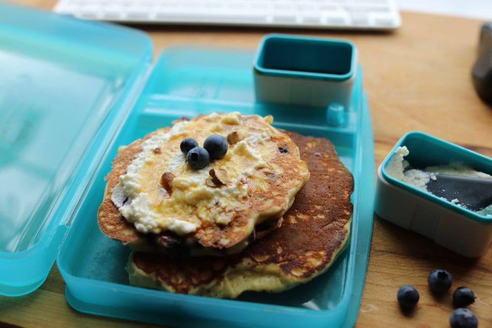 Pancakes aux pommes et à la ricotta