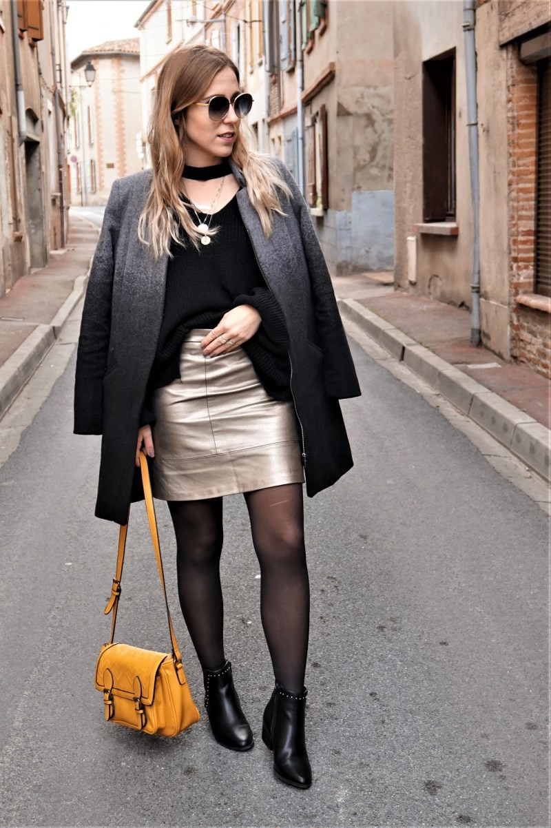 Look gold skirt - La Petite Frenchie