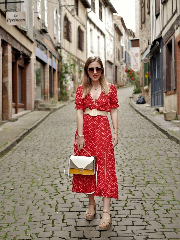 Look sac cartable et ceinture en raphia - La Petite Frenchie blog mode toulouse