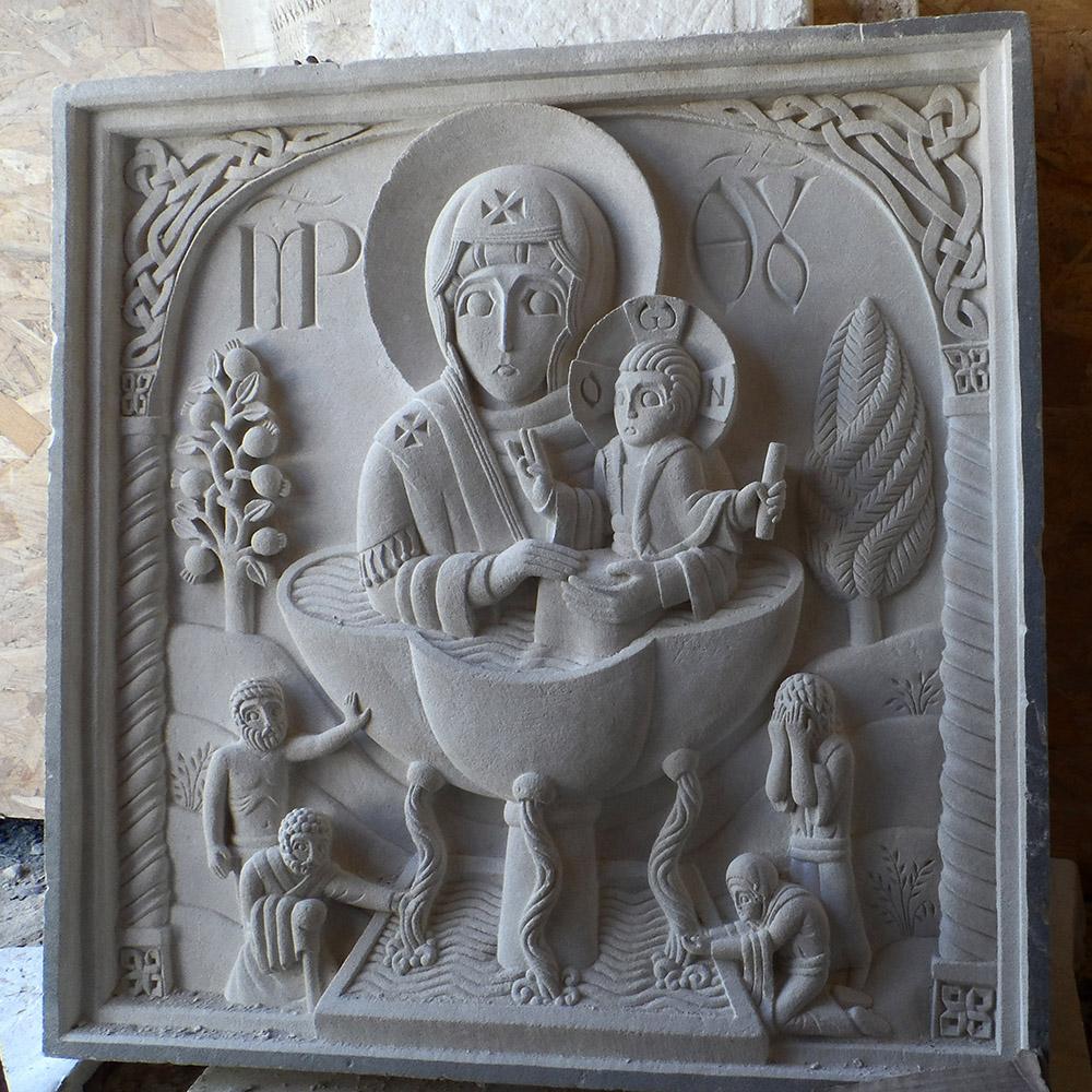 Moyen-relief en saint maximin d'après l'icône de la source vivifiante