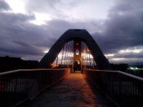 Puente a oscuras