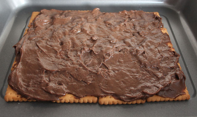 base de la tarta cubierta de chocolate