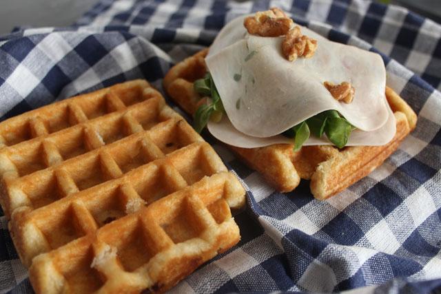 sandwiche-gofre-relleno