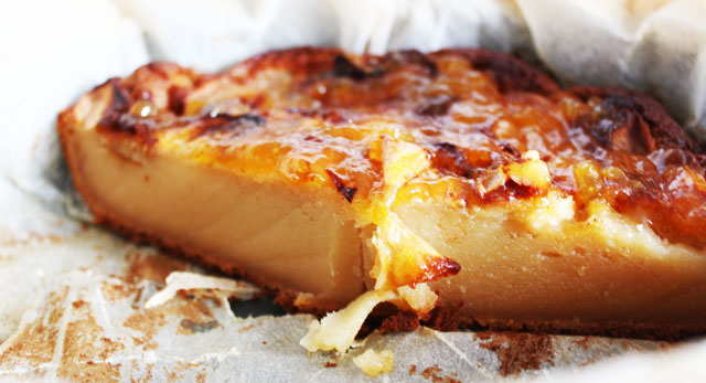 porción de la tarta de manzana