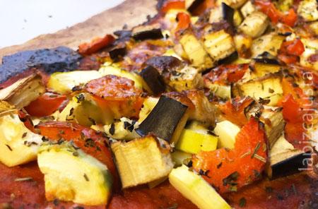 porción de pizza de base de coliflor