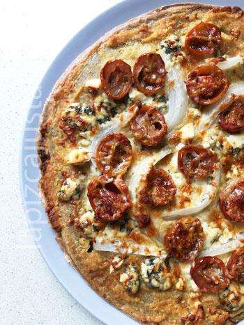 pizza de garbanzos lista para comer
