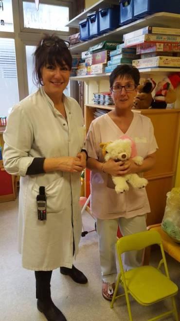 Le-service-pédiatrie-Emile-Durkheim-recevant-les-jouets