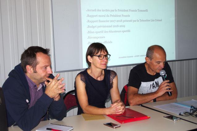 Stéphane Cachet, président de la Saint-Rémy, Nadine Bailly, secrétaire, et Francis Tomaselli (à dr.), président de la section d'athlétisme.