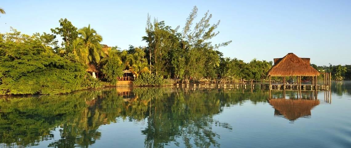 Bacalar a tropical paradise for your honeymoon for Hotel luxury villas bacalar