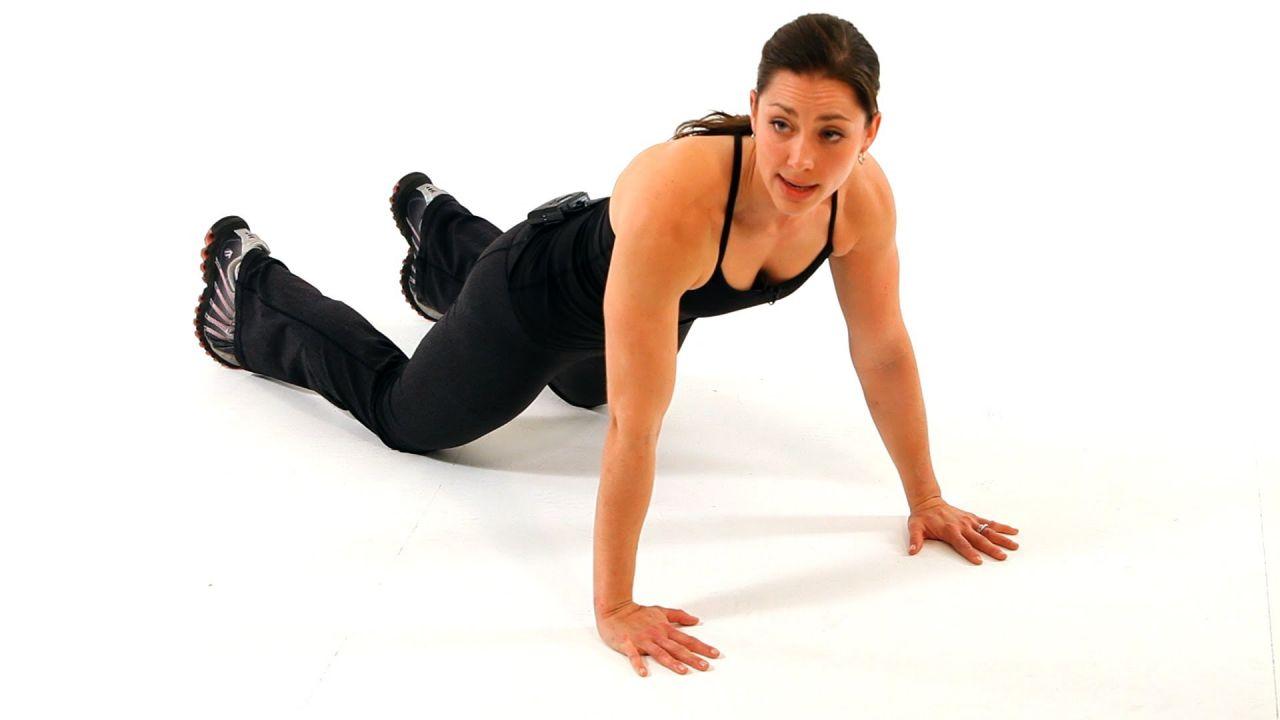 """¿Vestido strapless? 5 ejercicios para eliminar los """"gorditos"""" laterales"""