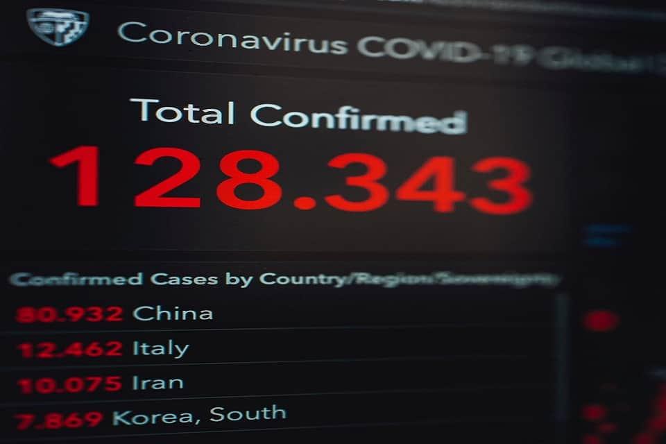 5 célébrités touchées par le coronavirus : actions et réactions