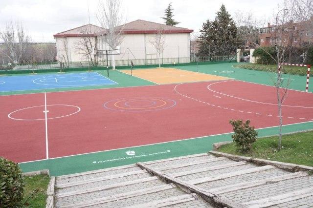 Visitaa las obras de las instalaciones deportivas  de los colegios públicos San Sebastián y Silvio Abad