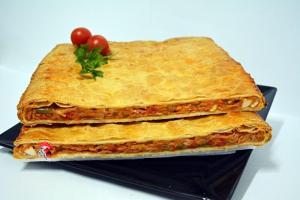 Empanada de Hojaldre de Bonito