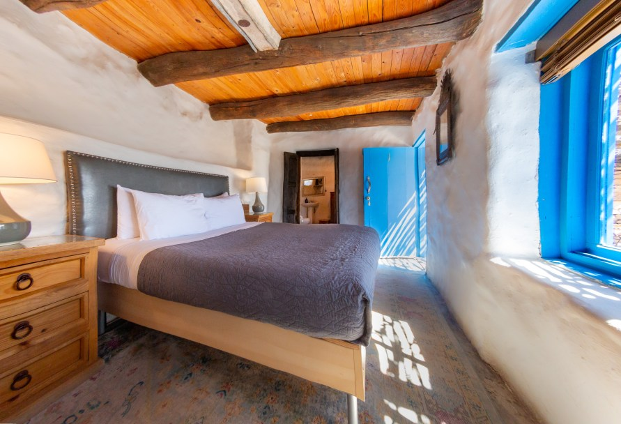 Santa Elena Room – Room 1