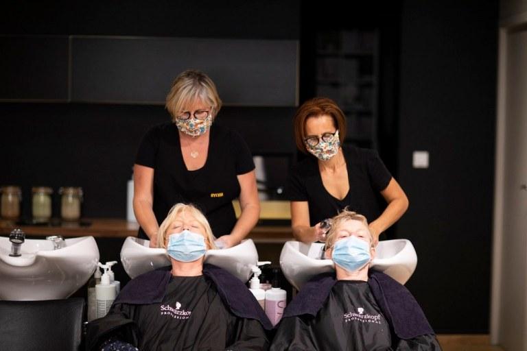Read more about the article Ambiance au salon de coiffure