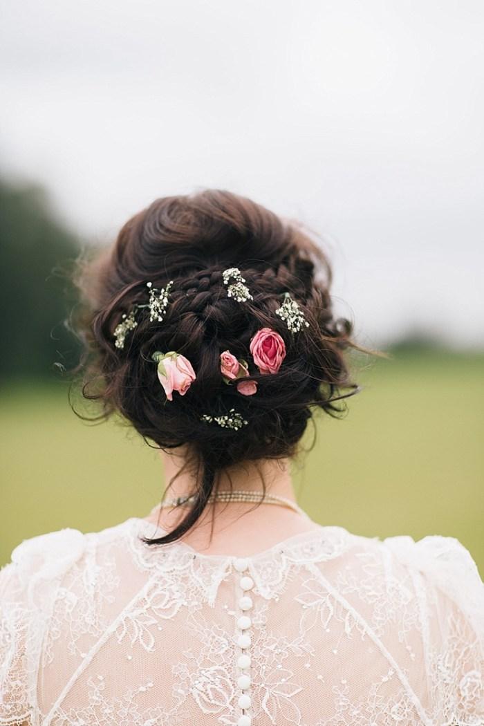 chignon-fleuri-rose-blanc