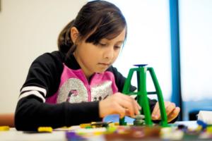 Las Bibliotecas Públicas de Denver ofrecen apoyo a estudiantes con su programa de Verano de Lectura. (Foto cortesía para La Prensa de Colorado)