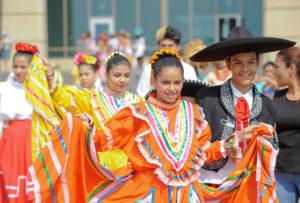 No podía faltar el folclor mexicano.