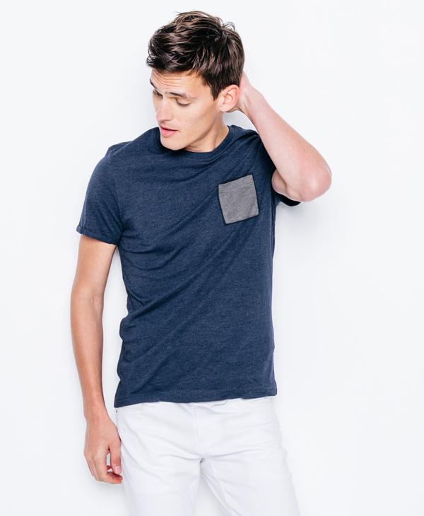 tshirt- vêtement de l'été
