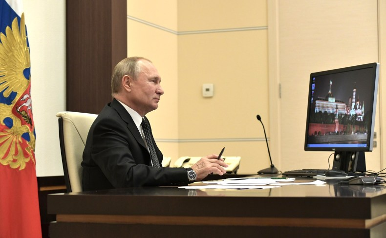 vladamir-putin-uses-windows-xp