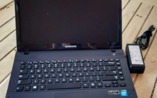 Laptop Second Samsung NP270E