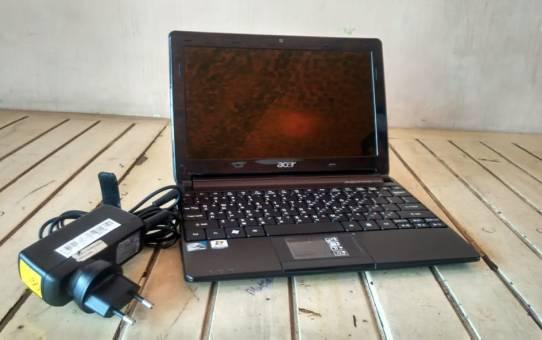 Netbook Bekas Acer D270