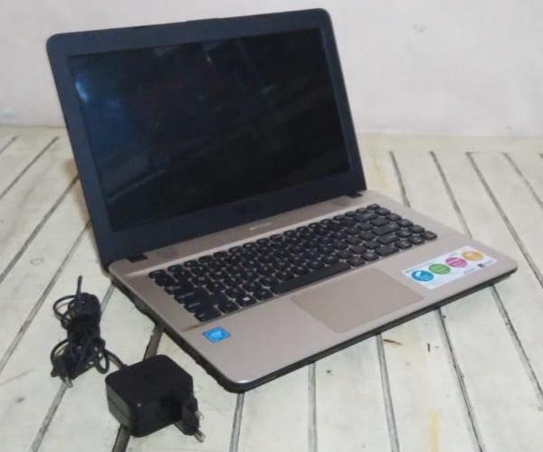 laptop bekas asus x441n