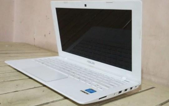 Laptop Bekas X200CA