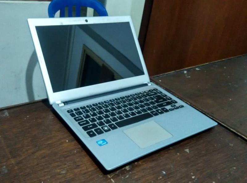 laptop bekas acer v5-431