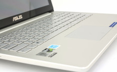 ASUS-UX501-keyboard-detail11
