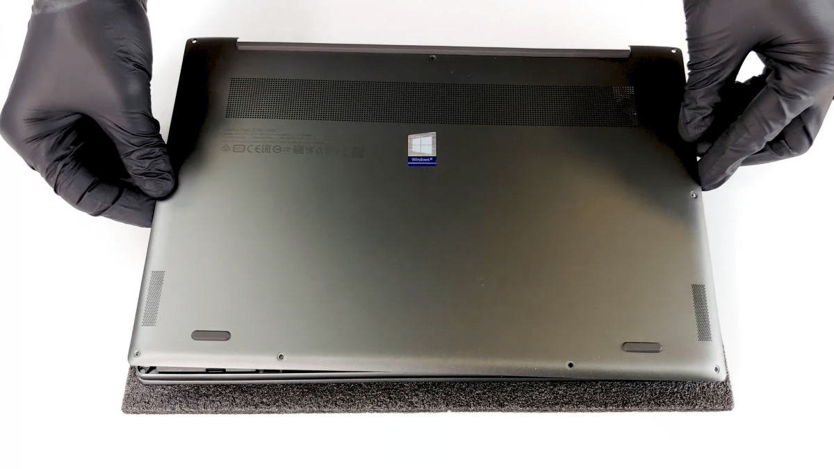 Inside Lenovo Ideapad 730S (Yoga S730) – disassembly and