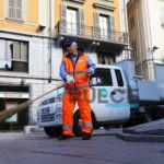 Pulizie straordinarie in città per strade e cassonetti