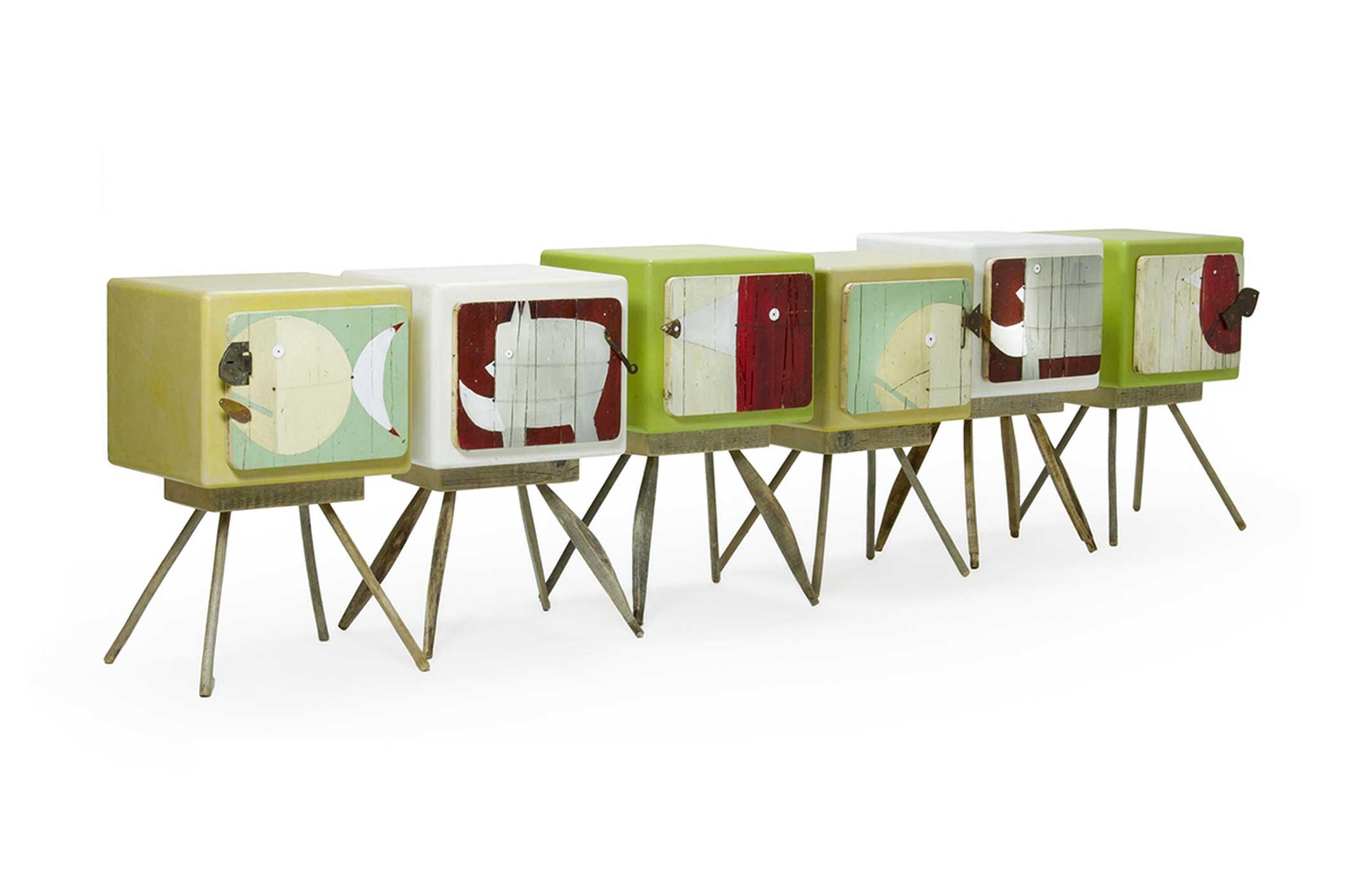 Mobili artigianali con illustrazioni originali di artisti. Comodini con illustrazioni di animali