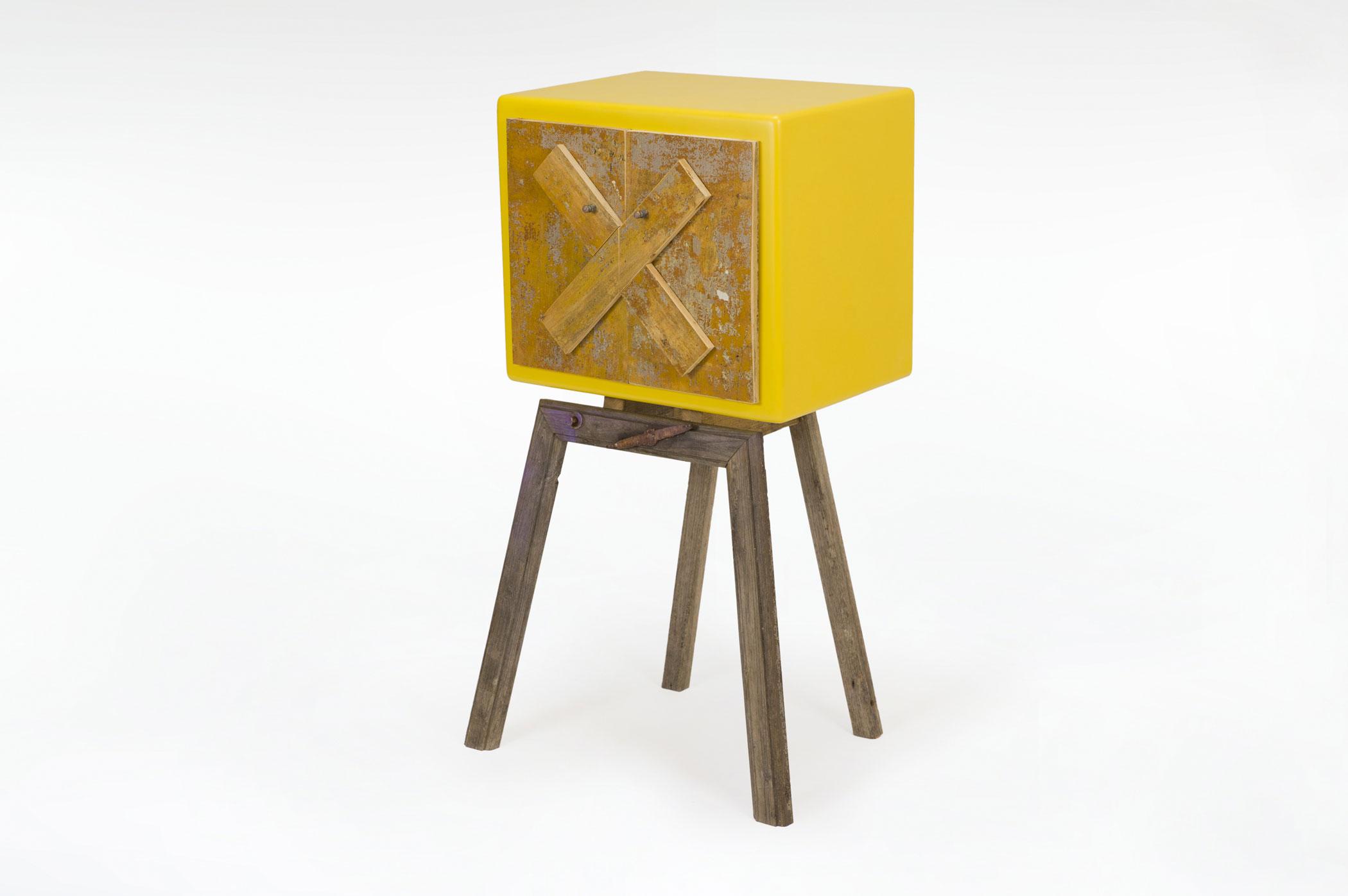 Mobile con legno vintage