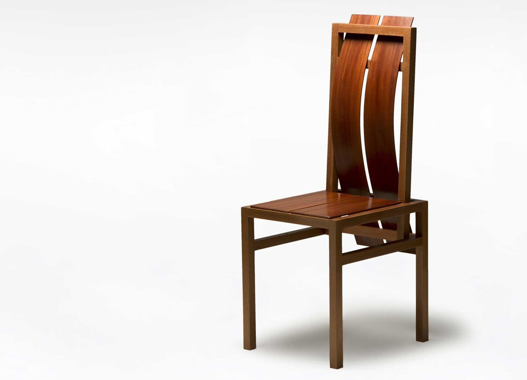 Sedia di design curva legno massello marrone