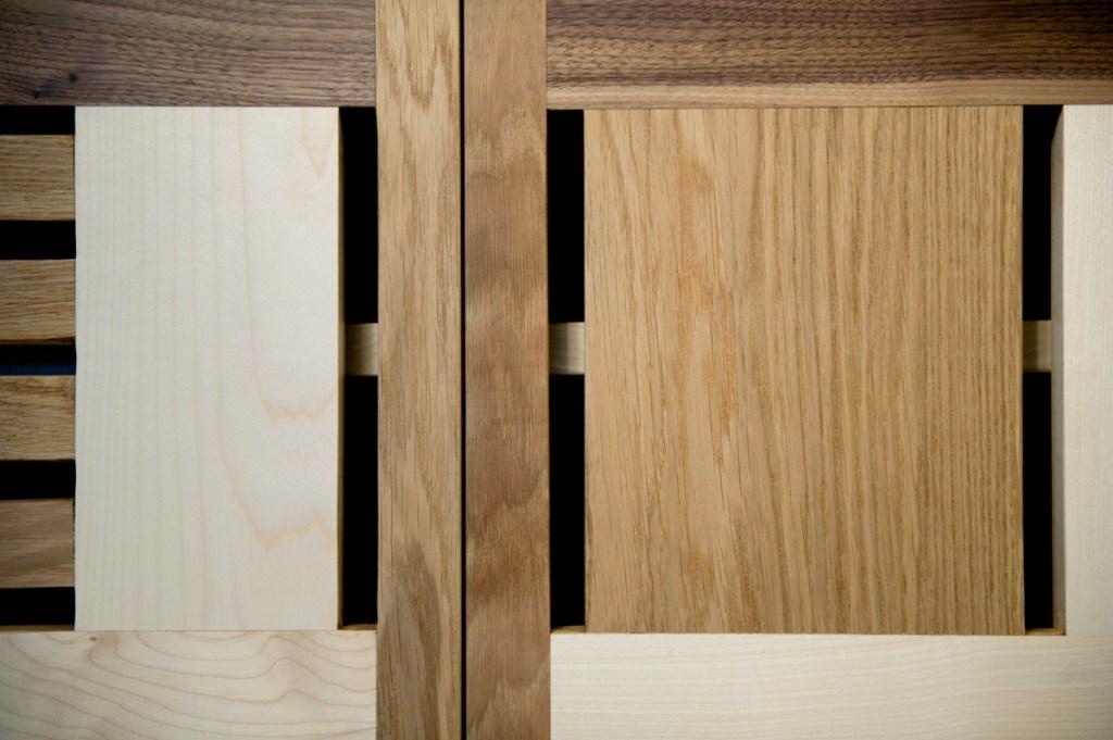Credenza senza maniglie in legno massello design unico
