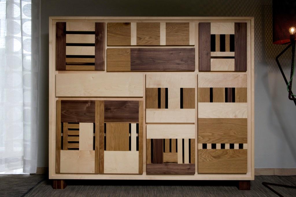 Credenza artigianale contemporanea in legno massello in diverse essenze