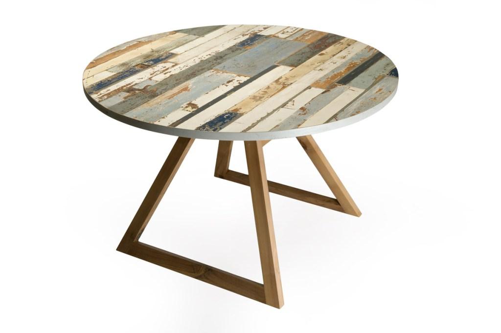 tavolo fisso rotondo colori beige e azzurro legno vintage