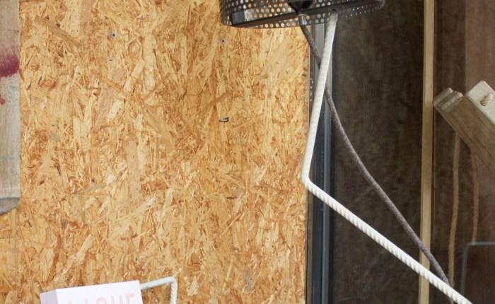 lampada design in ferro nero personalizzabile